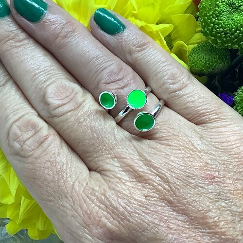 Sterling silver fluorescent green adjustable ring