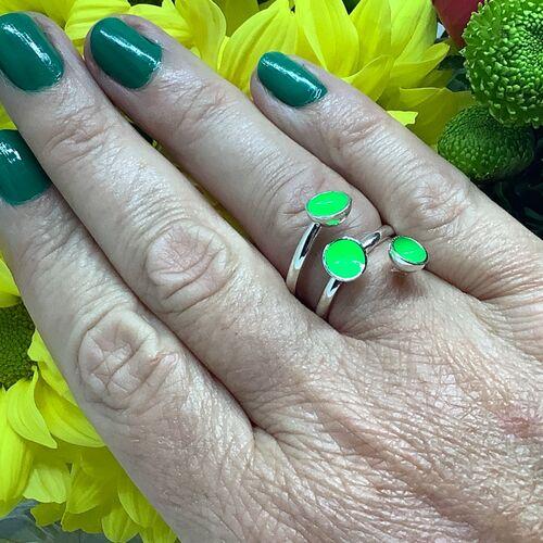 Sterling silver & fluorescent green enamel adjustable ring
