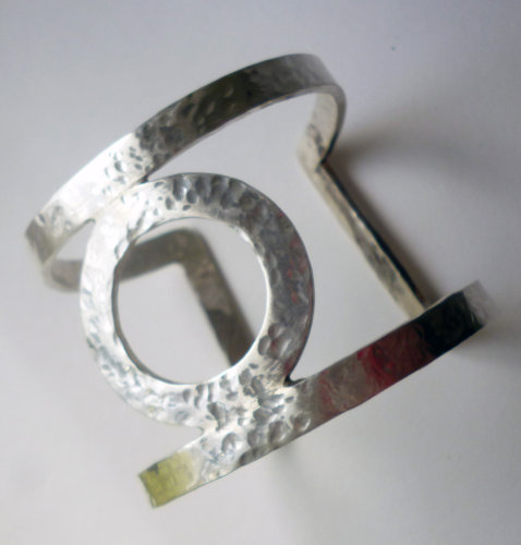 Sterling silver fitted bangle