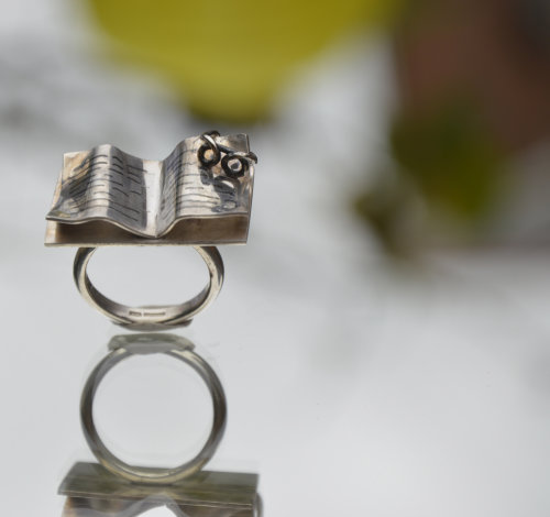 Sterling silver book ring with glasses
