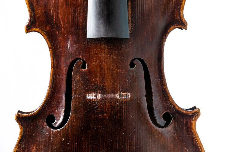 Banks 1770 Viola front