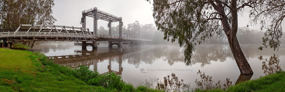 Swan Hill Bridge