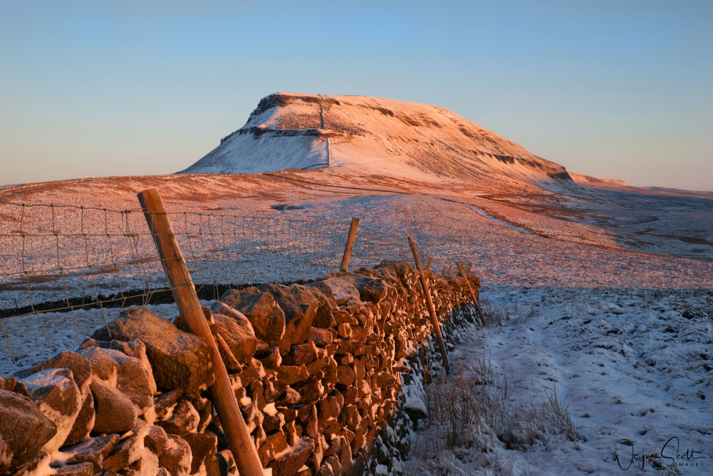 First light on Pen-Y-Ghent