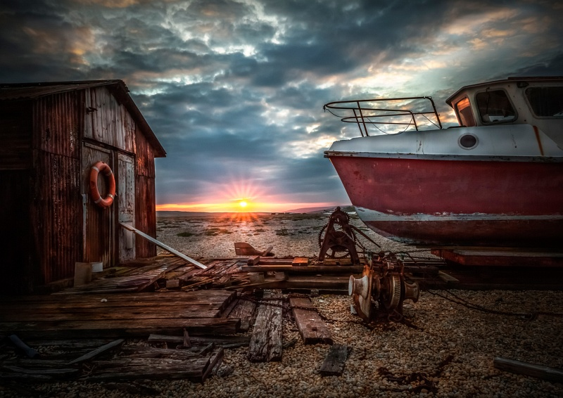 09 Old Boat Sunset by Ivor Toms