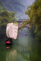 8 River Boat by Val Brierley LRPS