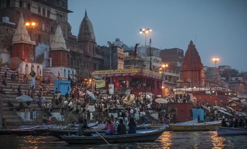 Veronasi Dawn Festival on the Ganges by Frank Schweitzer