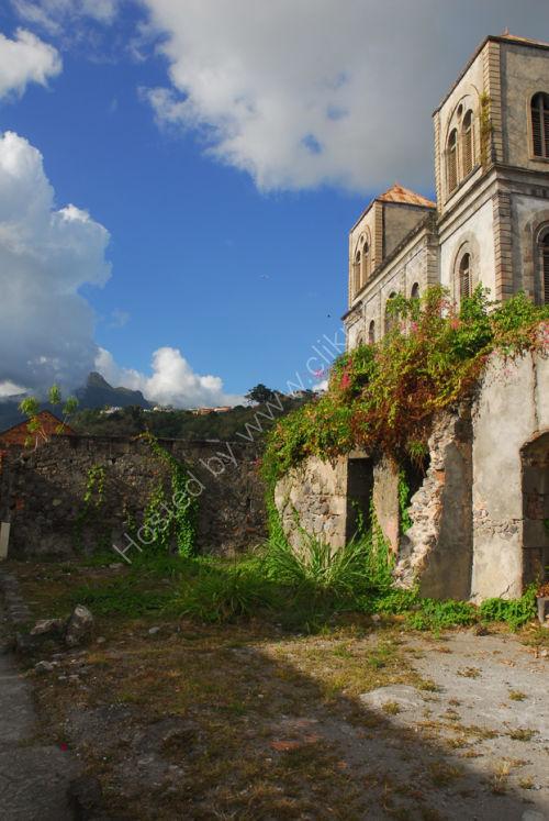 Martinique - St Pierre - Ruins + view to Mt Pelée