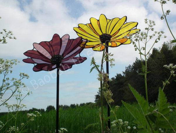 daisy garden mosaic stakes